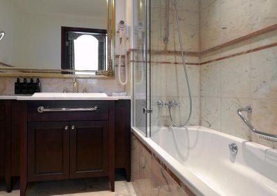 Polonia-Palace-Hotel-bathroom-Warsaw