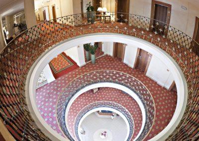 grand-hotel-sopot-staircare