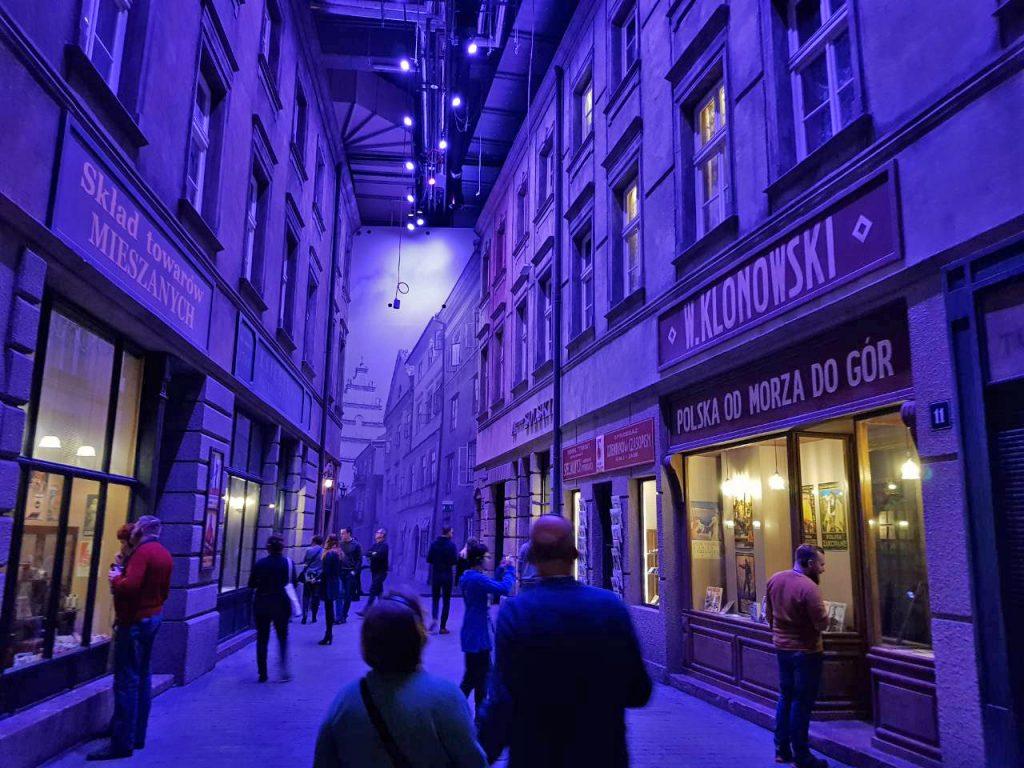 street-scene-museum-second-world-war-gdansk
