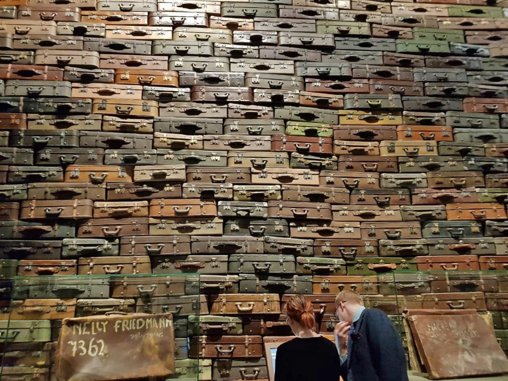 wall-of-suitcases-second-world-war-museum-gdansk-poland