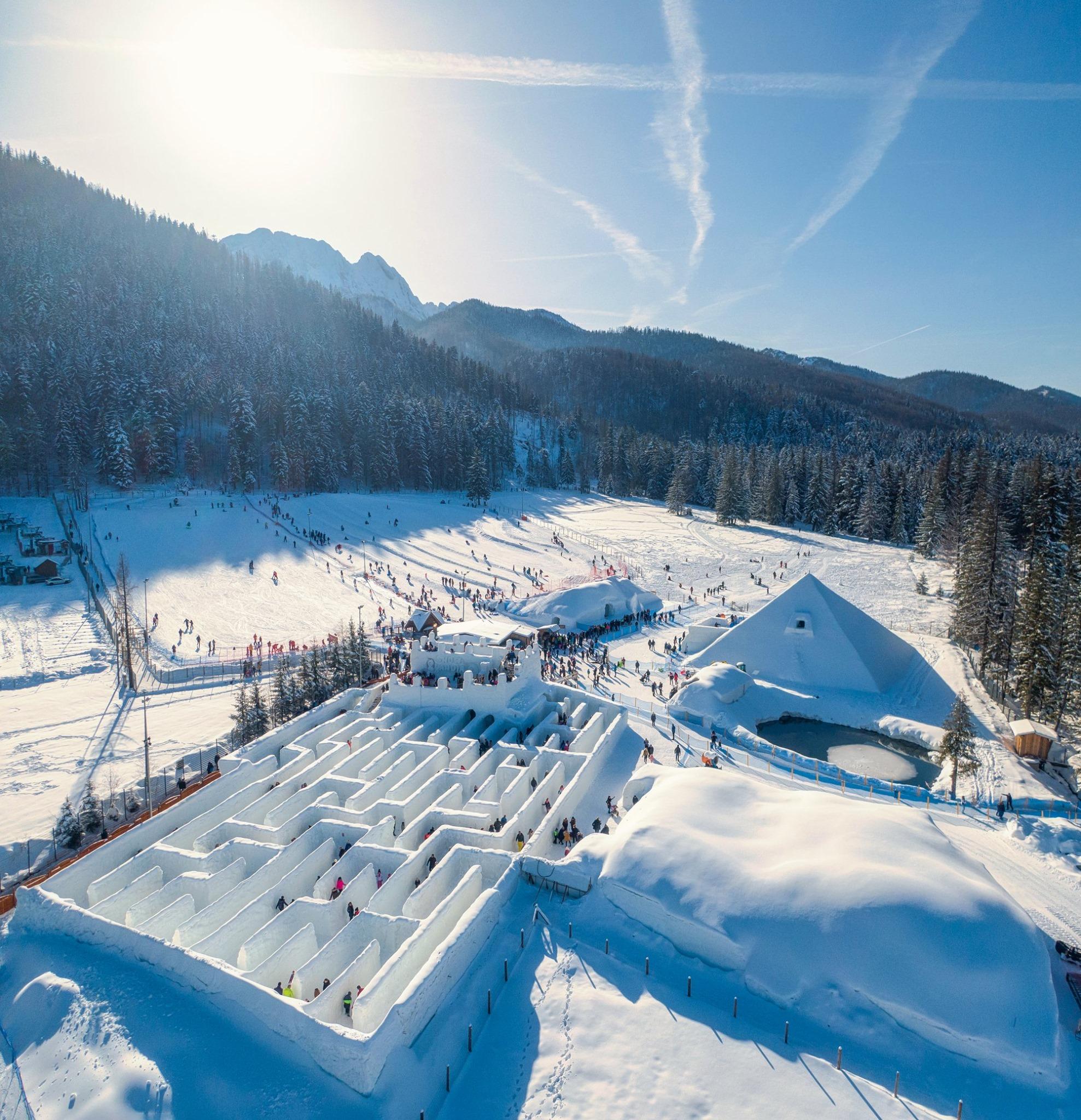 snowlandia-zakopane-snow-pyramid